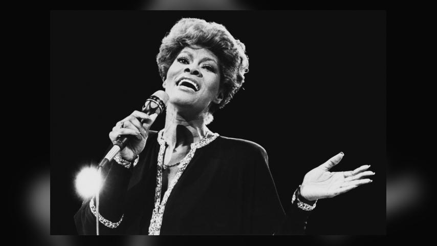 5 Things You May Not Have Known About Dionne Warwick